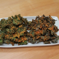 Kale Chips with garlic and cashews